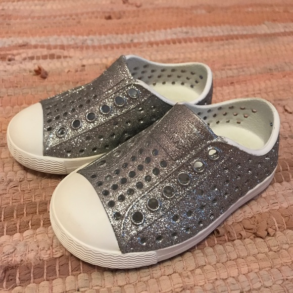 ab3b4053ee1f3 Native Jefferson Bling Toddler. M 5a6ba154a6e3ea7c3ddeca0d
